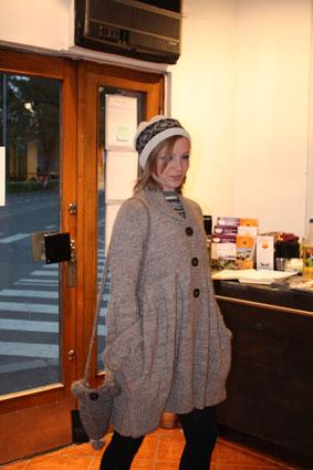 Deretter fikk vi lurt på Stella denne råtøffe jakka med puffermer og legg.